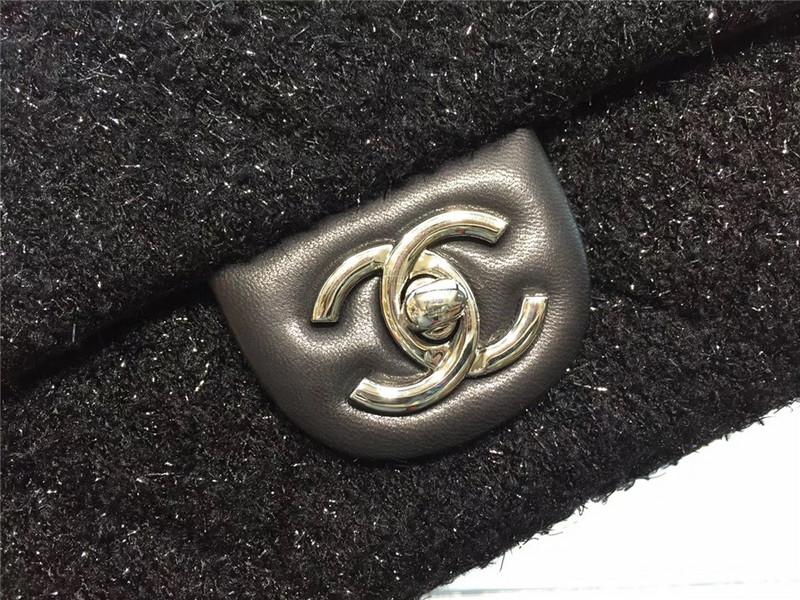 Túi Xách Chanel Classic màu đen lông dạ size 28 cm (2)
