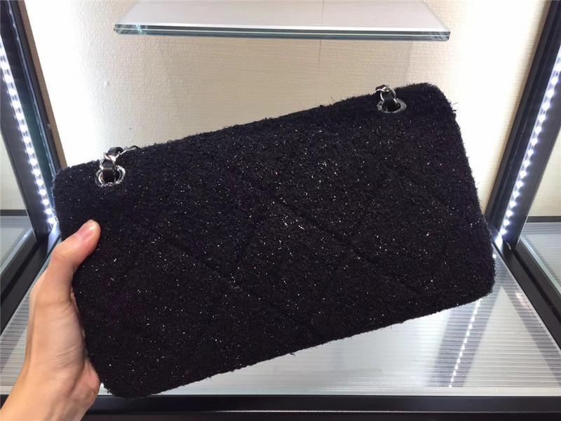 Túi Xách Chanel Classic màu đen lông dạ size 28 cm (5)