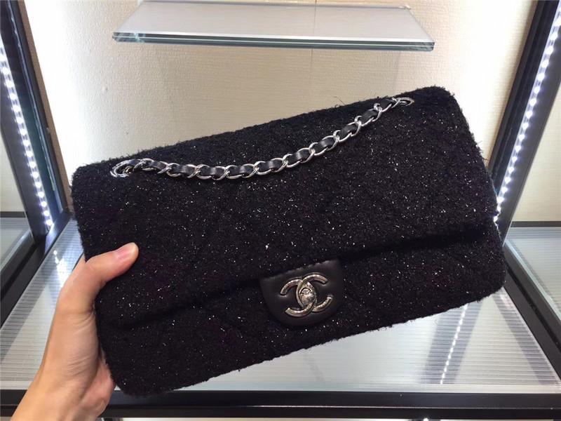 Túi Xách Chanel Classic Màu đen Dạ Lông Size 28 Cm
