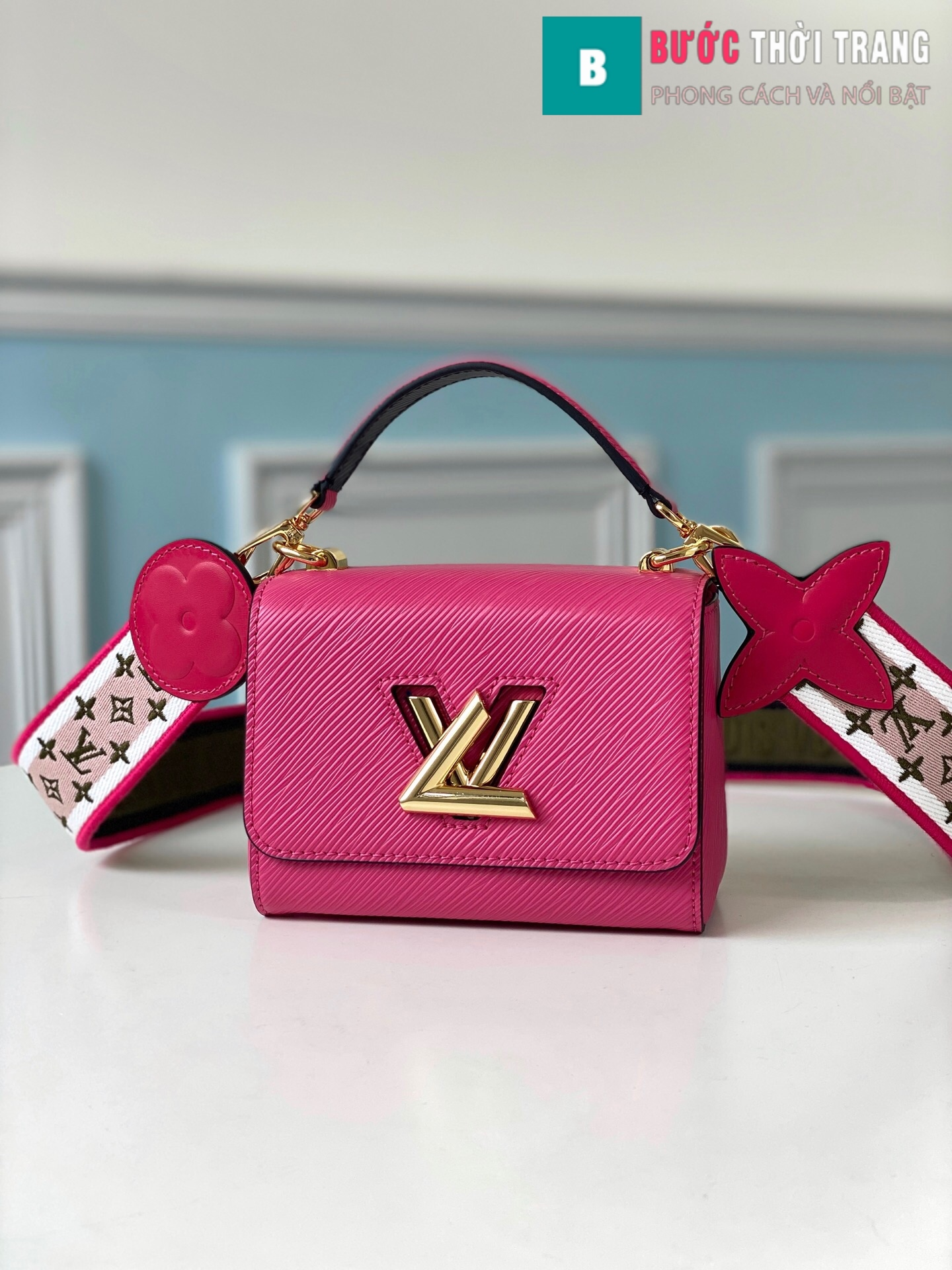 Louis Vuitton Eapi leather Twist Mini Handbags (1)