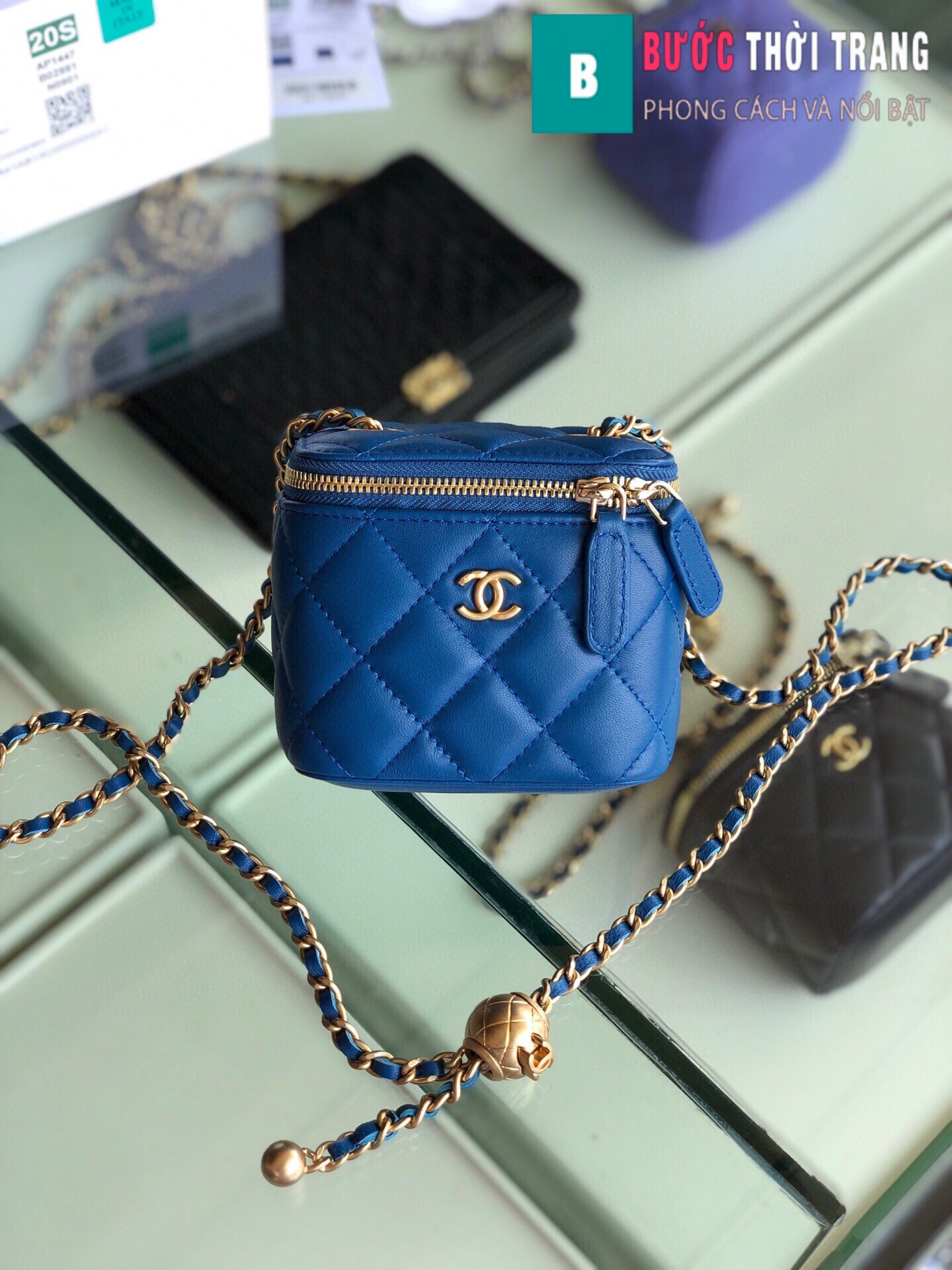 Túi xách Chanel Small vanity bag with strap (1)