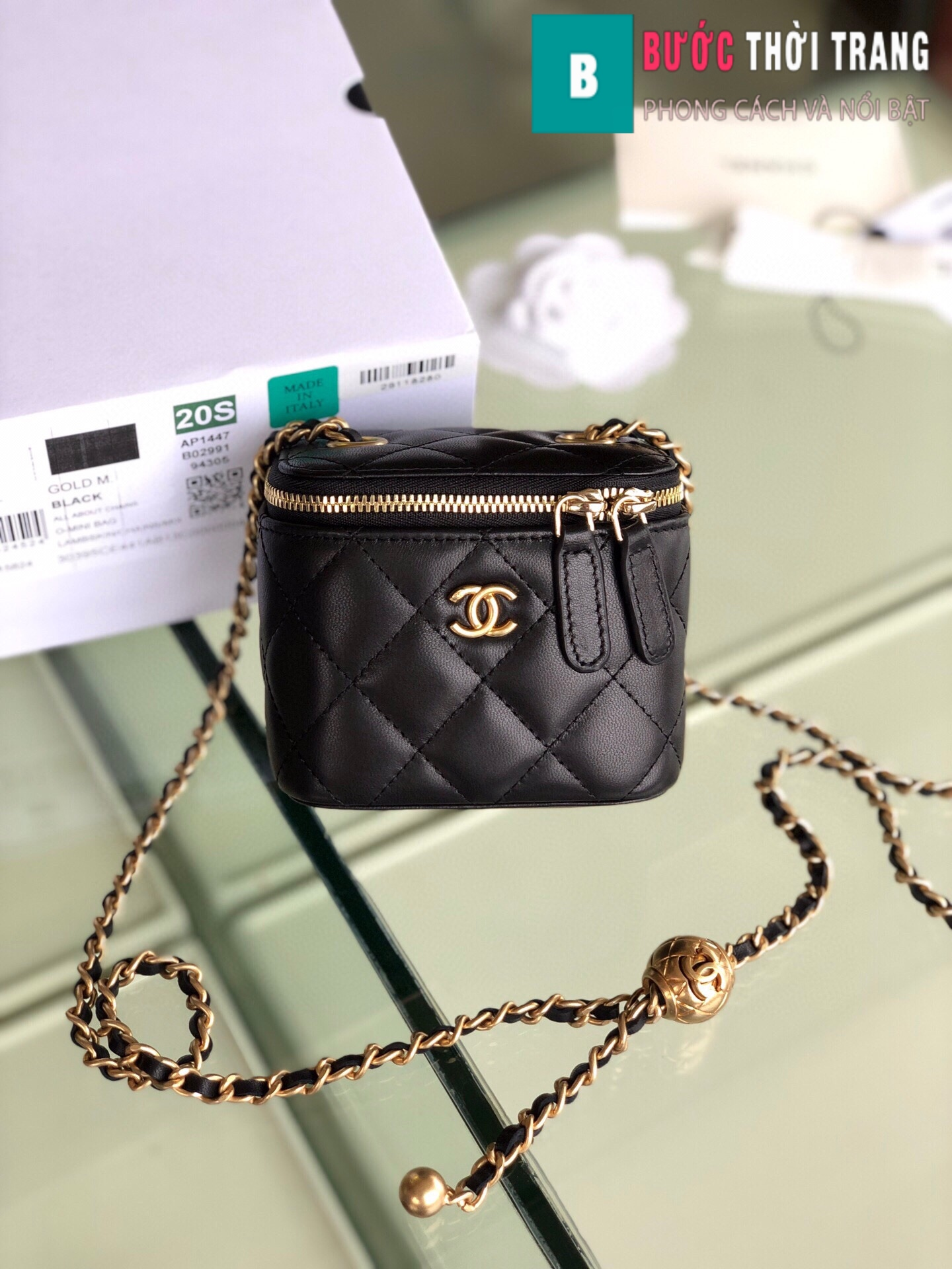 Túi xách Chanel Small vanity bag with strap (52)